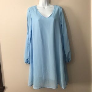 NWT Oioninos light blue shift dress. Size medium